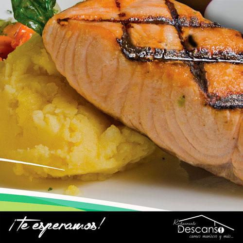 Delicioso salmón a la parrilla