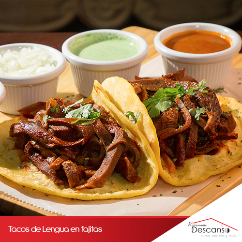 Antojate de estos Tacos de Lengua en fajitas.
